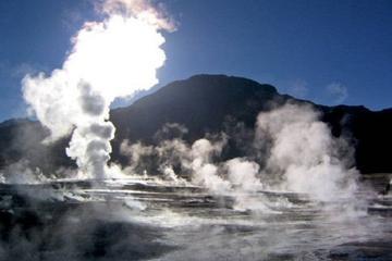 Gita giornaliera ai geyser del Tatio e alla cittadina di Machuca