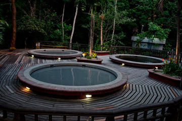 Aventura de un día: aguas termales naturales con barro, paseo a...