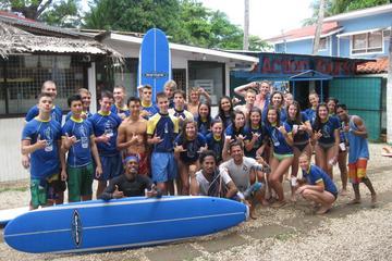 Clases de surf privadas y normales en Tamarindo