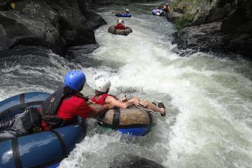 Excursión combinada de tubing en el cañón del río, recorrido por el...