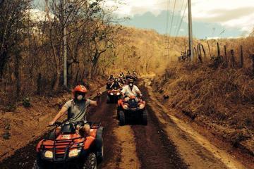Excursión en todoterreno y circuito de tirolina desde Riu Guanacaste...