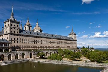El Escorial y el Valle de los Caídos desde Madrid
