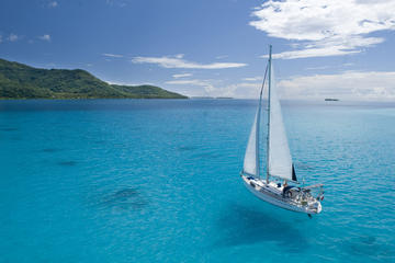 10-Day Sailing Cruise from Huahine to Bora Bora Including Taha'a and Raiatea