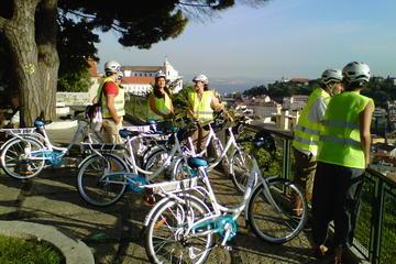 Excursão de bicicleta elétrica pelas colinas de Lisboa