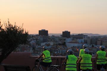 Excursão noturna de bicicleta em...