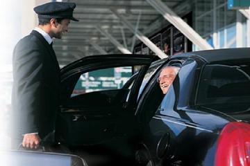 到着時のシャトル送迎サービス:マドリード空港から市中心部へ
