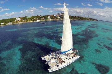 Catamaran to Isla Mujeres Day Trip from Cancun