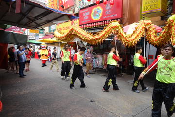 3-in-1 Evening Tour of Chinatown, Little India & Malaysian Cultural Show with Dinner