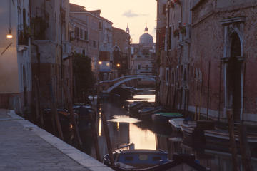 2-Hour Shadows of Venice Guided Night Walking Tour