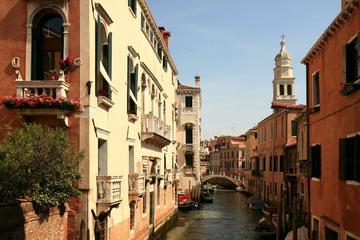 Visita a pie por Venecia por la mañana más paseo en góndola