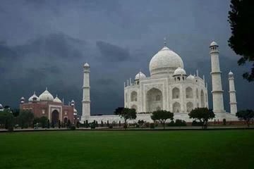 Private Full-Day Agra Fort and Taj Mahal Tour from Delhi