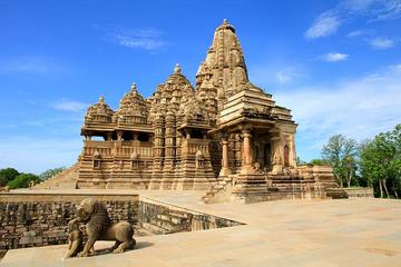 Private Full-Day Khajuraho Temples and Handicrafts Tour