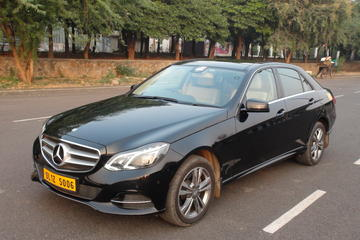 Private Taj Mahal and Agra Day-Tour from New Delhi by Luxury Car