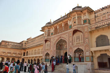 Private Tour: Jaipur Including Jai Mandir from Delhi
