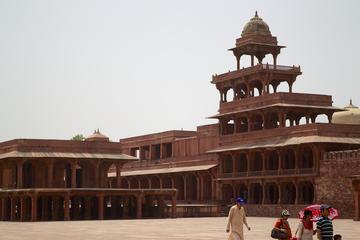 Private Tour: Jaipur nach Agra mit Übernachtung und Besuch des Taj...