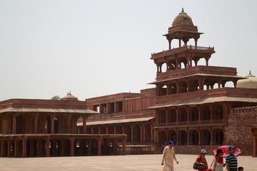 Private Tour mit Übernachtung nach Agra von Jaipur mit Taj Mahal