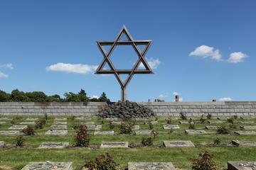 Dagtour naar het concentratiekamp Theresienstadt inclusief toegang ...