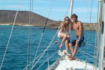 Catamarán privado al atardecer para parejas desde Corralejo