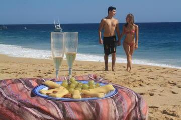 Escapada romántica en Cabo San Lucas: Buceo de superficie y paseos en...