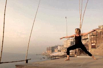 Varanasi: Spiritual Yoga tour with Morning Boat Ride