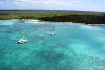 Escursione in catamarano e motoscafo all'isola paradisiaca di Saona