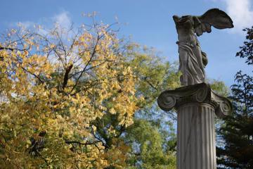 Paris 2-Hour Private Guided Tour to Père Lachaise Cemetery