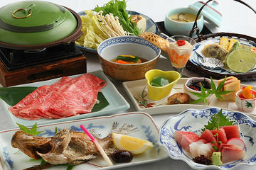 Japanese Kaiseki Dining Experience with Geisha at a Historical Restaurant in Chiba