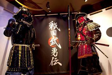 Spectacle de cabaret des robots à Tokyo avec dîner dans le restaurant...