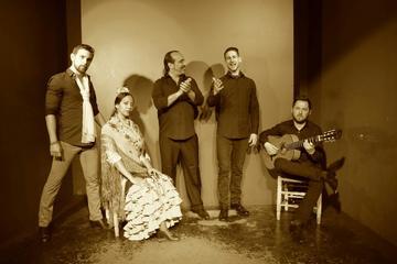 Espectáculo flamenco en el Tablao Álvarez Quintero en Sevilla