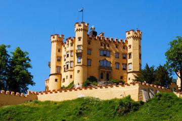 Fuessen Day Tour: Skip-the-Line Neuschwanstein Castle