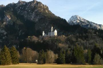 Halbtägige Tour ohne Warteschlangen in Schloss Neuschwanstein ab...