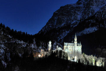 Private Group Tour from Garmisch-Partenkirchen to Neuschwanstein and Linderhof Castle