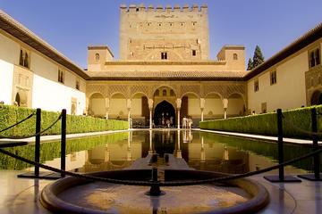 Palast von Alhambra und...