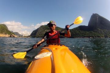 Excursión en kayak por el océano en...