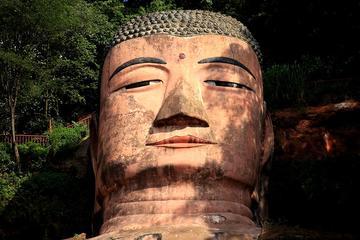 Buddha Path: Leshan Giant Buddha & Mt...