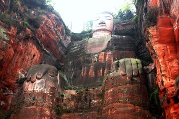 Day Tour to explore Giant Buddha, Hot Pot & Sichuan Opera
