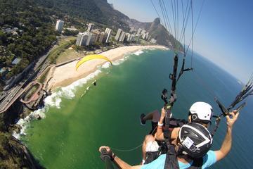 Tandem-Gleitschirmflug in Rio de...