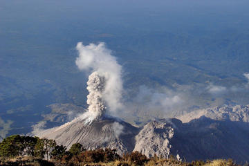 Volcan Santiaguito Crater-Real...