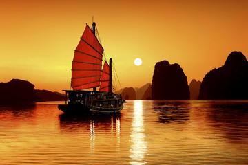 Crucero de un día para grupos pequeños por la bahía de Halong...