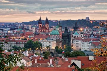 Full-Day Prague in a Nutshell Walking Tour with delicious Lunch-Cruise