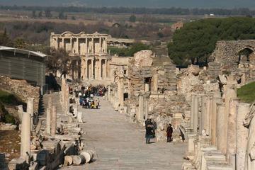 Excursión a la antigua ciudad de Éfeso desde el puerto de Kusadasi