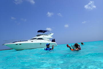 5-Hour Private Luxury Yacht Snorkel Tour with Open