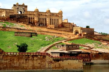 Private Full-Day Tour to the Royal Forts and Palaces of Jaipur from Delhi