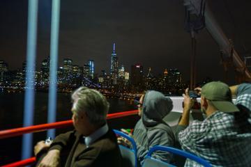 オープントップバスで行く夜のニューヨーク ツア…