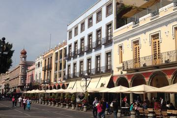 Visita turística panorámica de la ciudad de Puebla en autobús de dos...