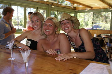 Margaret River Small Group Winery and Brewery Tour with Brewery Lunch