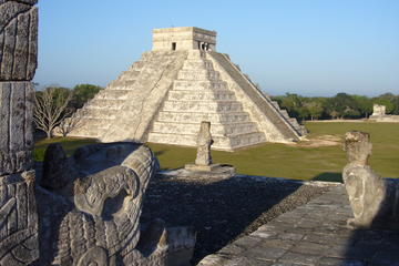 Chichén Itzá Wonder of the World Dropp off Cancun