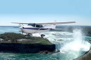 ナイアガラの滝飛行機日帰りツアー