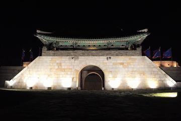 水原華城のナイトツアー