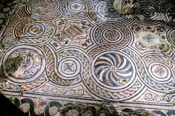Tour della domus romana di Palazzo Valentini